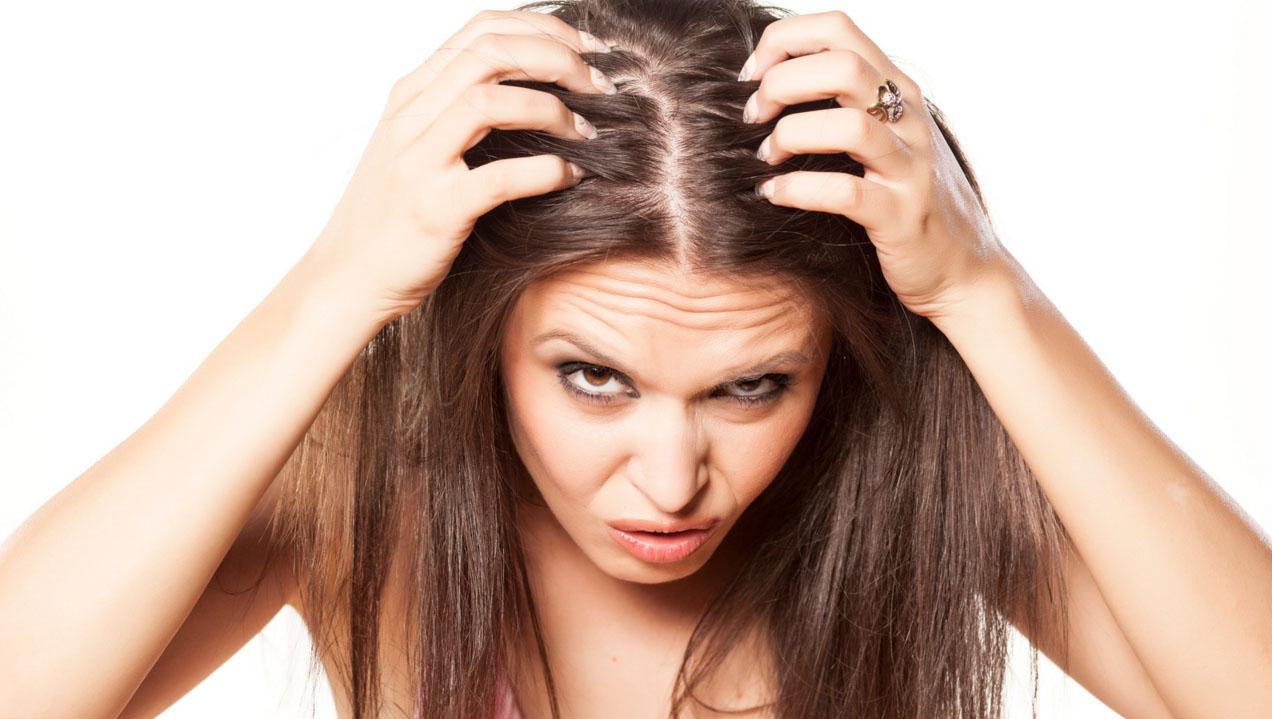 почему чешется и шелушится кожа головы