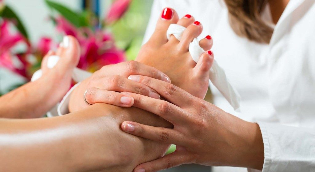 как лечить воспаление пальца после педикюра