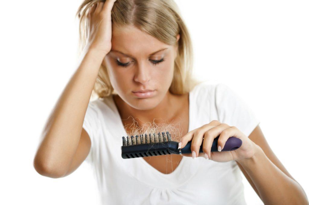 причины выпадения волос у молодых мам