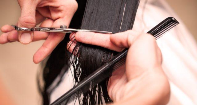 как подстричь кончики волос самостоятельно